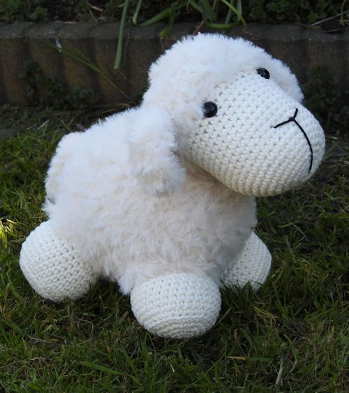 Funny Furry Sheep soft ivoor